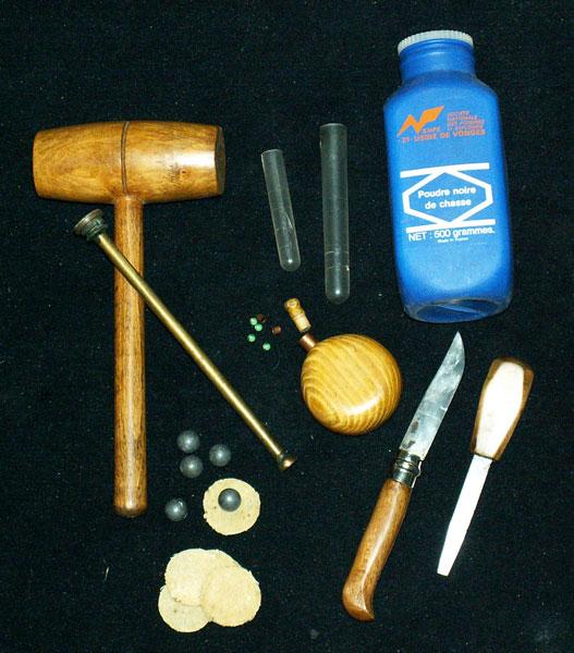 les outils indispensables, pour le chargement de l arme.